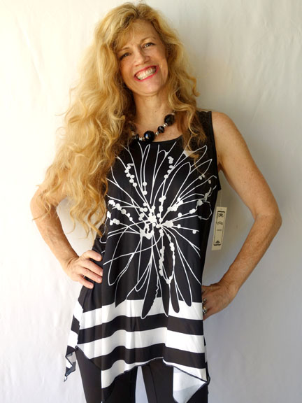 BW Line Floral tunic